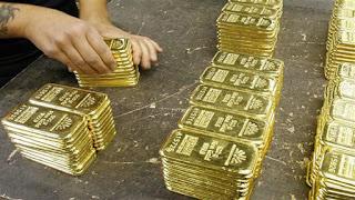ΠΑΝΙΚΟ! Έπιασε τους Ιταλούς, βγάζουν τα χρήματα απο την τράπεζα και τα κάνουν ΧΡΥΣΟ!