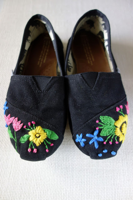 TOMS shoes, embroidered TOMS, flowers on shoes, shoes for spring, blah to TADA!, sewing crafts, sewing flowers on TOMS shoes