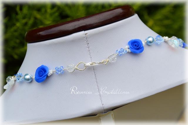 collier romantique argent et roses porcelaine