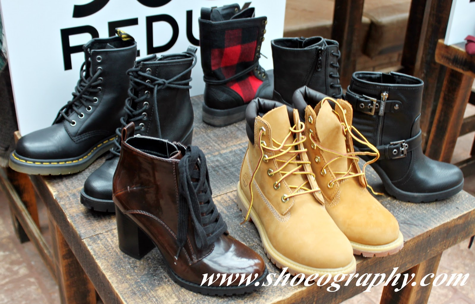 4a9f7a5e1c866 The 90's gifted us with grunge (plaid was everything), clunky boots (hello  Doc Marten), ...