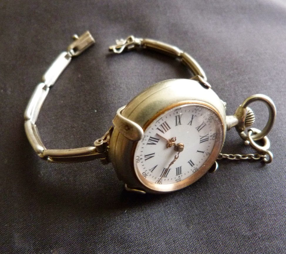 montres anciennes et de collection montres bracelet femmes et hommes. Black Bedroom Furniture Sets. Home Design Ideas
