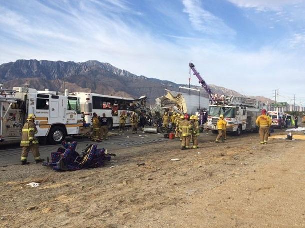 Аварія в Каліфорнії: 13 загиблих