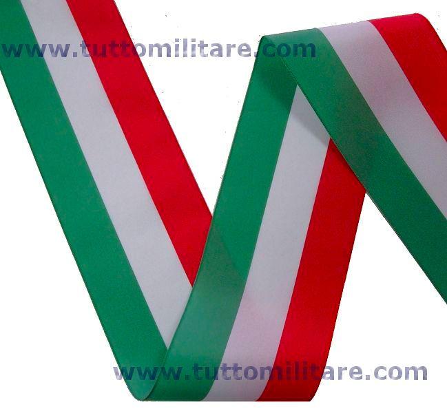 Per le inaugurazioni di nuove attività o per l apertura di cerimonie civili  è di rito il cosiddetto taglio del nastro tricolore. 2d66626a9d4c