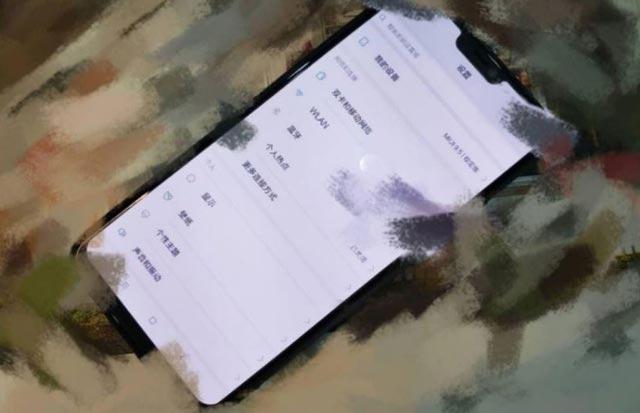 صور مسربة تظهر هاتف Xiaomi Mi 7 بشاشة بلاحدود يعلوها نتوء