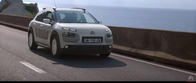Canzone Citroen C4 con coppia che litiga parcheggio Pubblicità | Musica spot Ottobre 2016