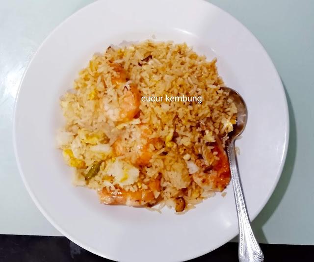 Nasi goreng udang, resepi nasi goreng udang, nasi goreng udang mudah dan sedap, nasi goreng mudah dan sedap, sedapnya nasi goreng udang, menu sahur, menu sahur mudah dan sedap, resepi udang, resepi udang mudah dan sedap,