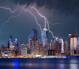Nova-Iorque-Tempestade-de-Raios-Relâmpago-e-Trovões