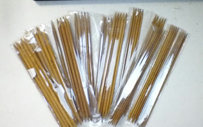 http://crochetcreation.com/collections/knitting-crochet/products/11-sizes-double-pointed-carbonized-bamboo-crochet-knitting-needles