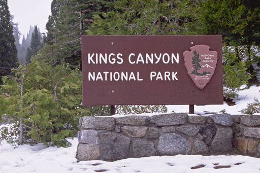 Fachada do Parque Nacional de Kings Canyon na Califórnia
