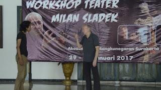 Milan Sladek, Aktor Pantomim Asal Slovakia Beri Workshop kepada Mahasiswa Akademi Seni Mangkunegaran Solo