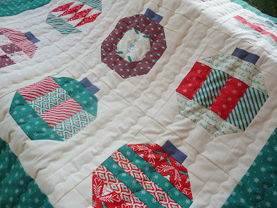 Vintage Holiday Christmas Dear Mr. Claus green red white lap quilt