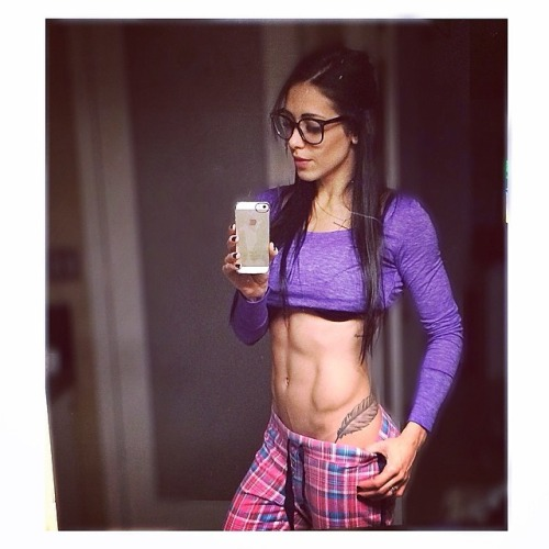most-popular-female-fitness-girl-image-100