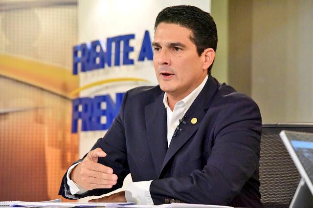 Roberto D'Aubuisson se disliga del asesinato en los disturbios de Santa Tecla