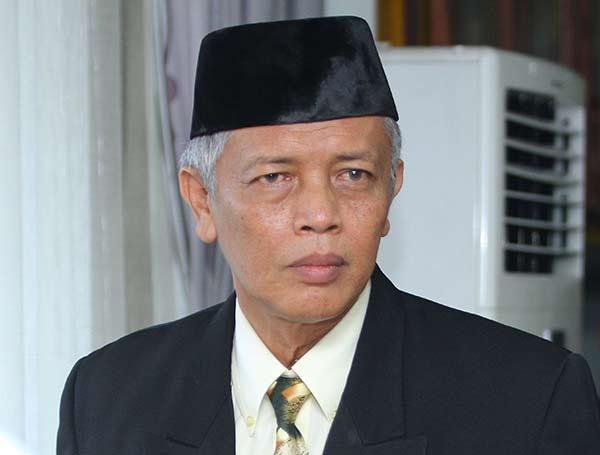Gubernur Riau; Laporkan Perusahaan Tak Terapkan UMK!