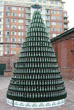 Albero Di Natale Heineken.Improvvisamente Creativa Ognuno E Creativo A Modo Suo Gli Alberi Di Natale Piu Strani O Pazzi Del Mondo