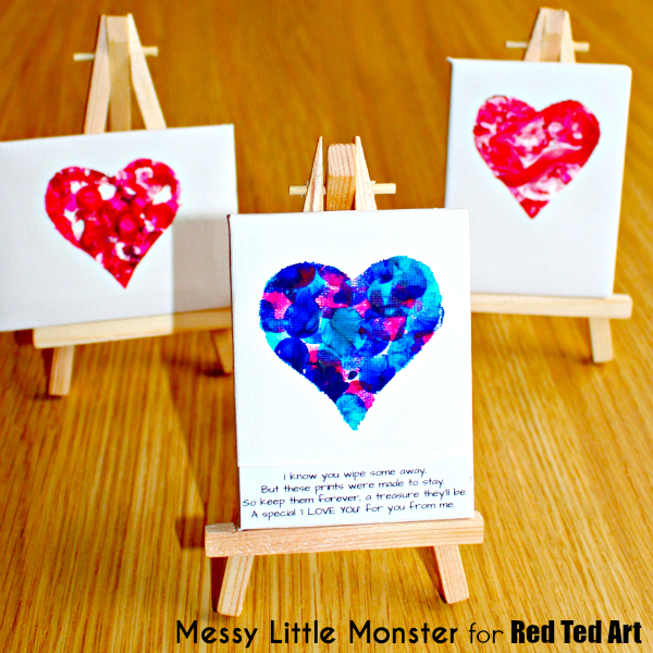 Simple fingerprint heart keepsake idea for valentines day or mothers day.  FREE PRINTABLE POEM. Kids craft for toddlers, preschoolers, babies, eyfs