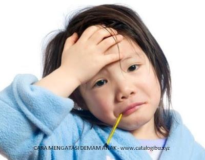 saat anak panas atau demam cara mengatasinya harus tenang
