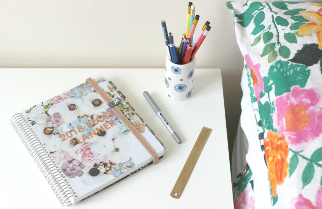 A review of the Erin Condren Deluxe Monthly Planner