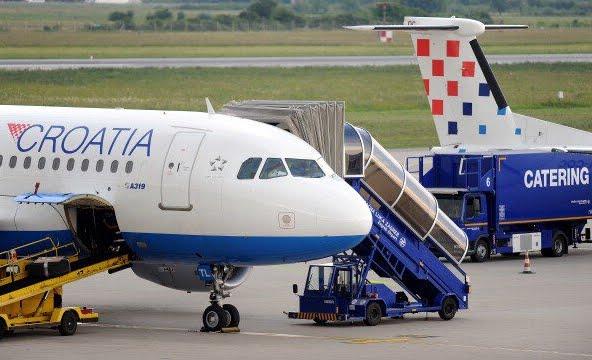 Paura in Volo: atterraggio d'emergenza per crepa sul finestrino della cabina di pilotaggio dell'aereo di Croatia Airlines
