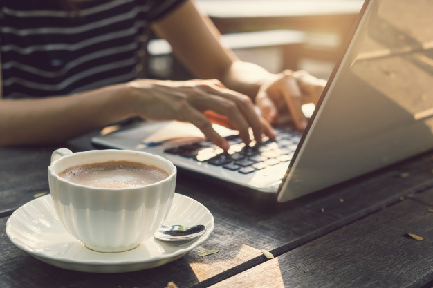 Menghasilkan uang dari blog tanpa modal itu HOAX