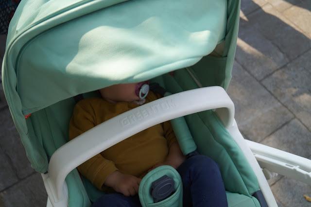 Die Mini Chefin schläft.