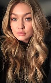 Gigi Hadid Height - How Tall