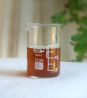 Domowy tonik DIY. Napar z nagietka.witaminę c. Kwas laktobionowy lub jabłkowy.