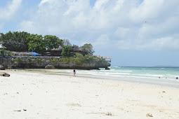 Perjalanan Ke Pantai Tanjung Bira