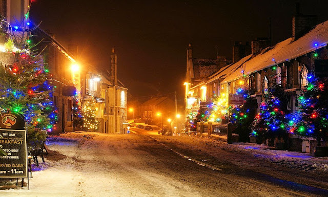 The charming villages of Castleton light up with holiday cheer. Photo: deanhammersley.