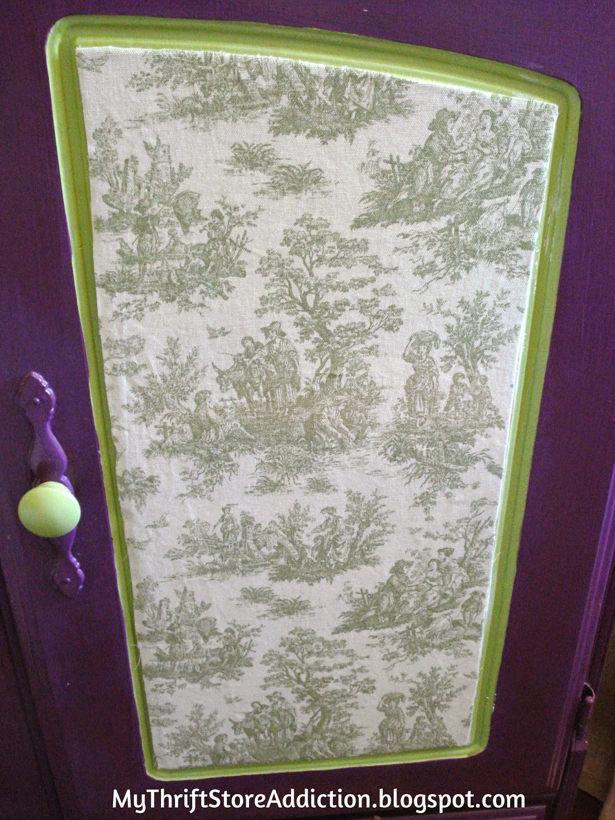 Miss Plum Puts on Her Toile Dress! mythriftstoreaddiction.blogspot.com How to mod podge fabric to furniture