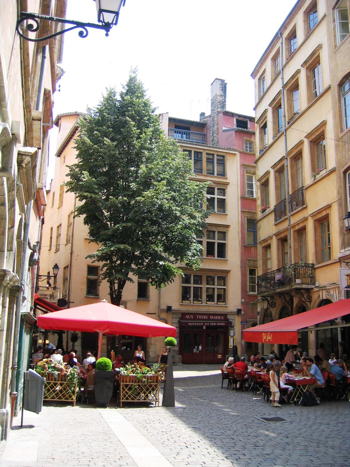 Place Neuve Saint-Jean