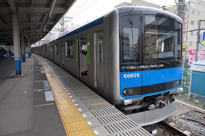 野田線春日部駅に停車中の東武60000系