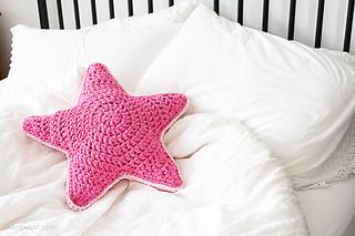 2000 Free Amigurumi Patterns: Star Pillow