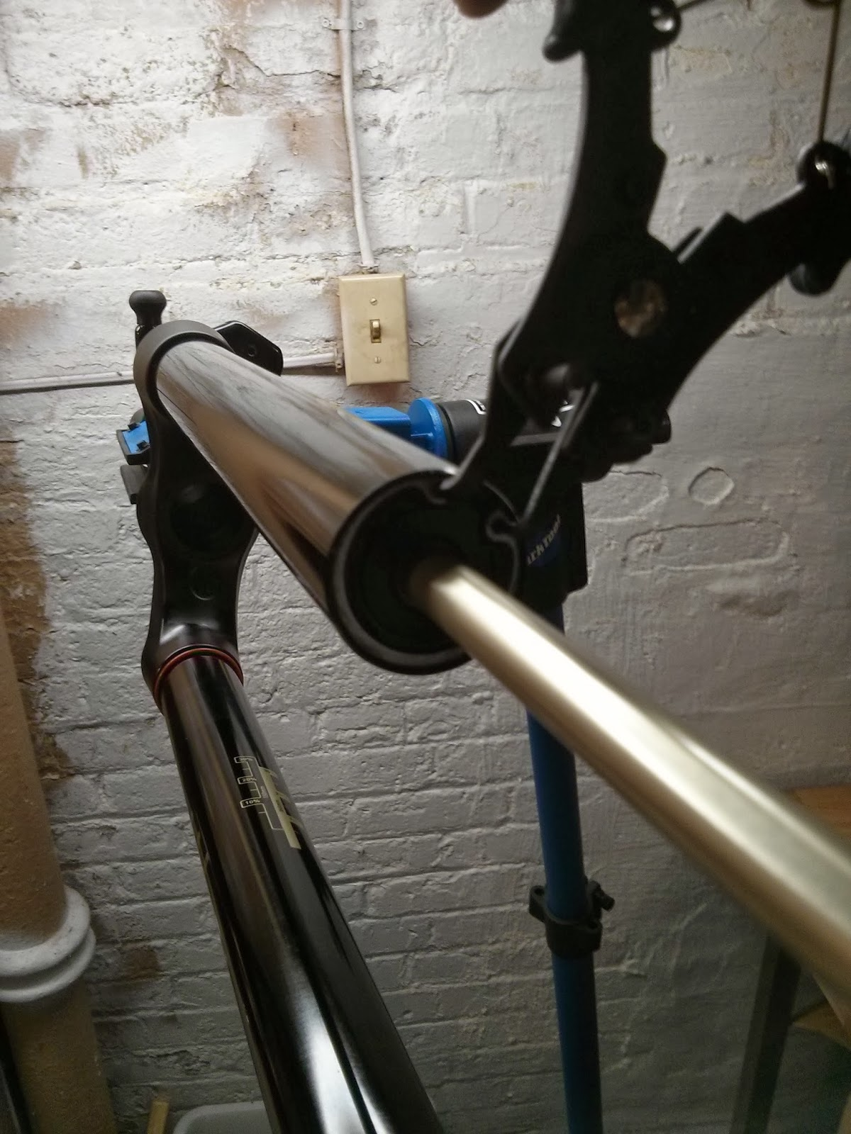 Regularbob's bike blog: Reducing the Rockshox Pike RCT3 Solo Air travel