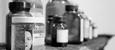 Embaces antiguos que contienen fármacos o principios activos para la elaboración de medicamentos