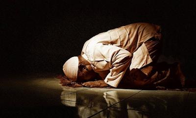 Nabi Muhammad Sujud Syukur Saat Orang Ini Meninggal Dunia