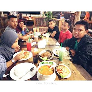Syok Makan Malam di NR Cafe Heritage Kuala Terengganu bersama Keluarga!