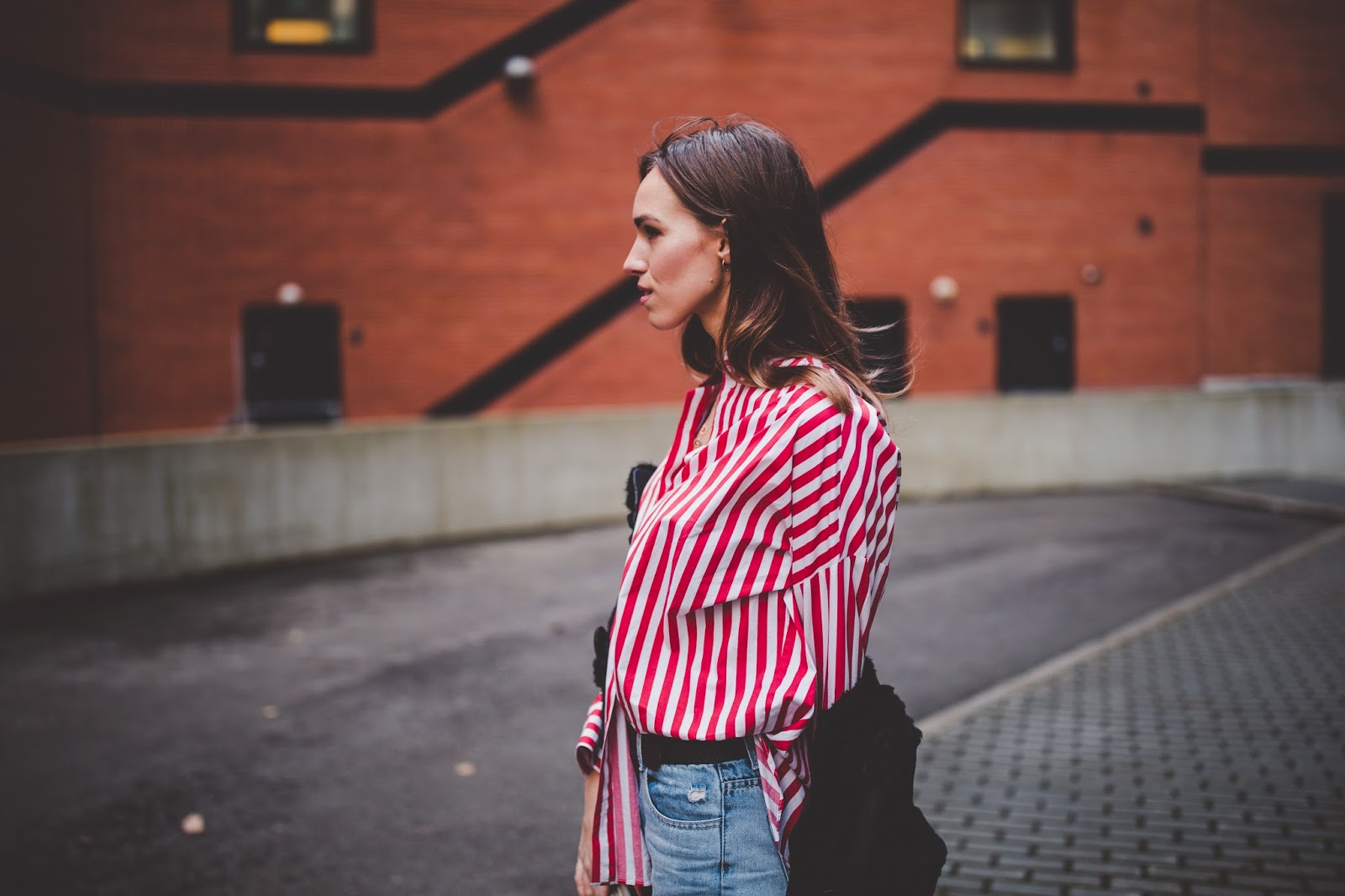 oversized red stripe shirt outfit