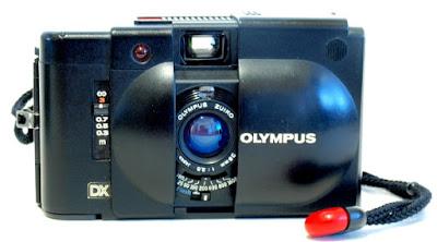 Olympus XA4 Macro, Front