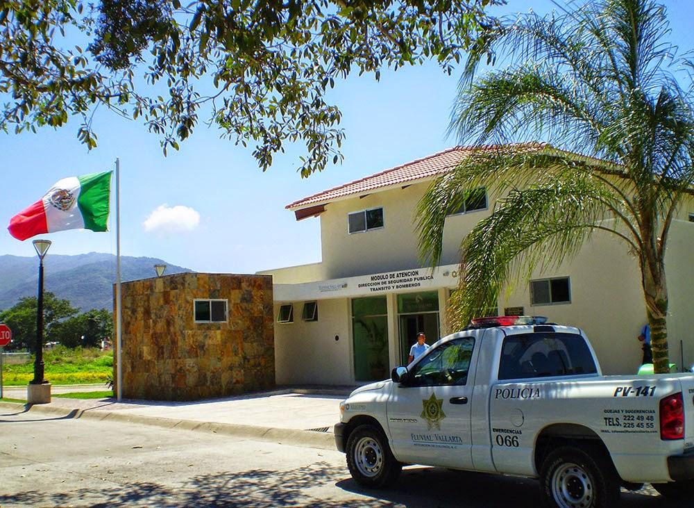 Módulo de Policías en Fluvial Vallarta