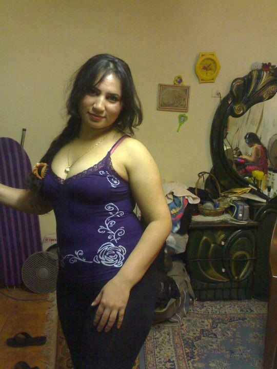 Arab house wife uploded her personal video in facebook 2