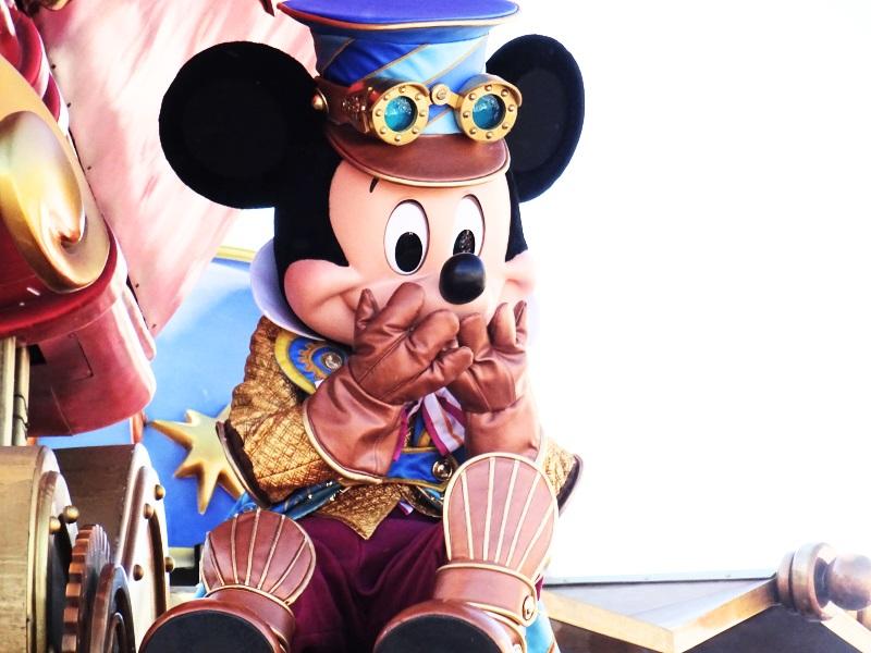 Mickey explorateur à la parade