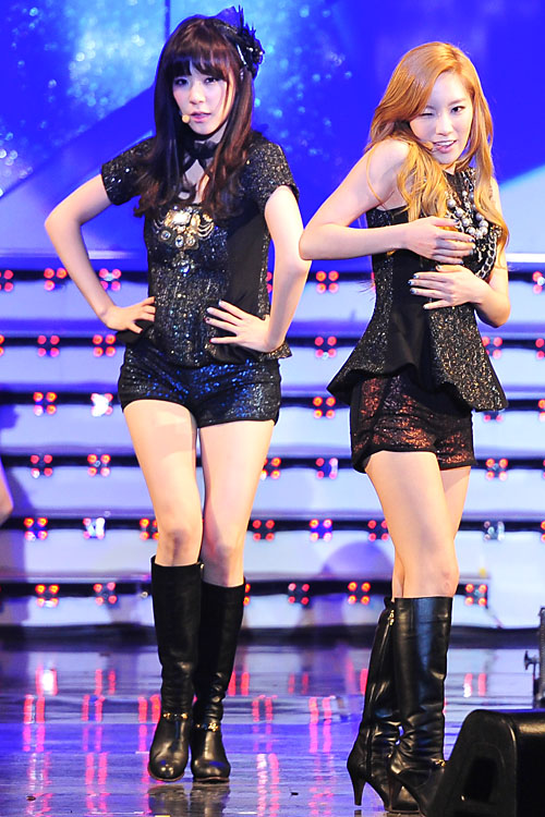 Girls Generation Tiffany Wallpaper Snsd Reborn Concert Performance Pictures 2 소녀 시대