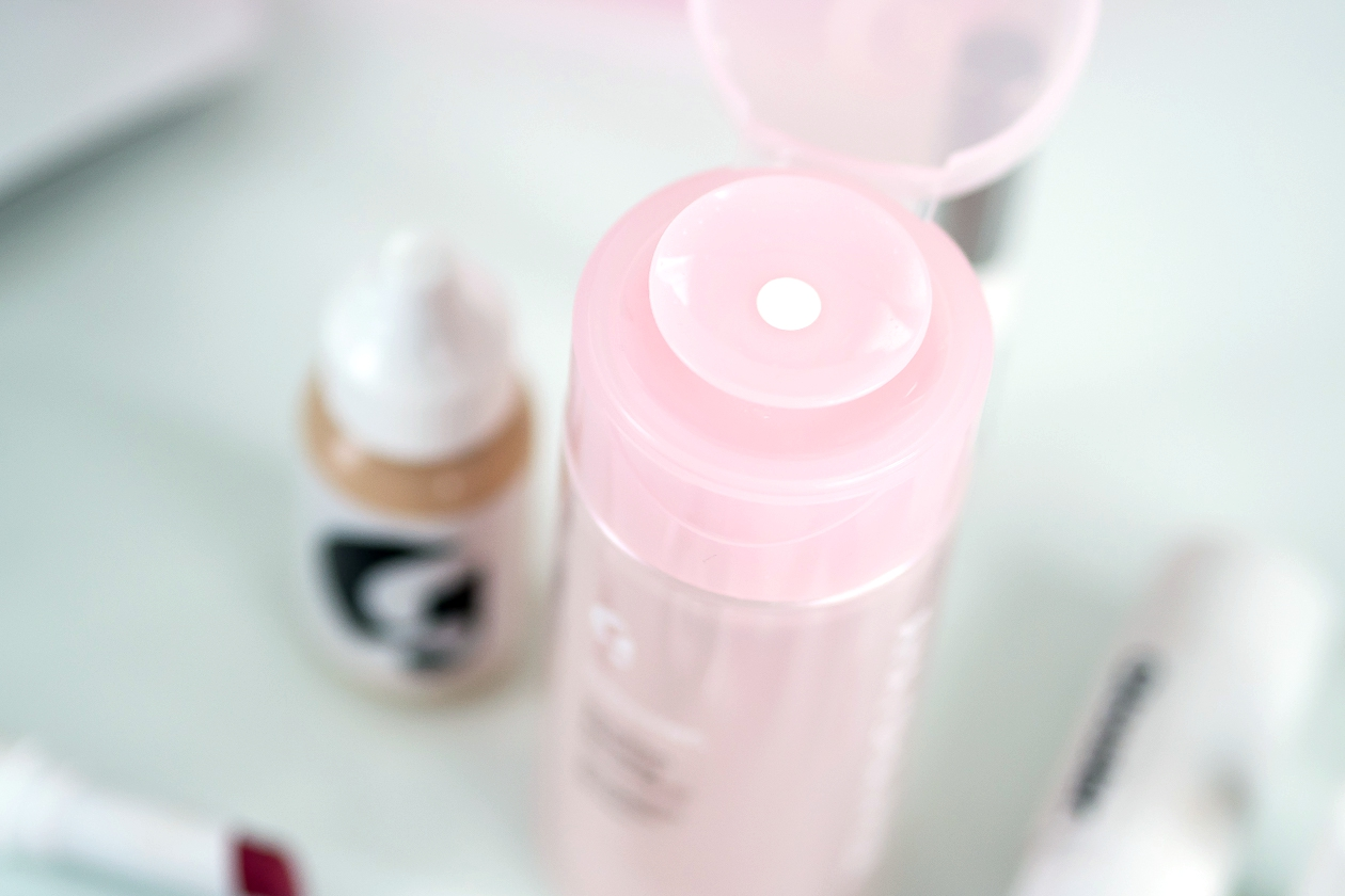 Glossier Solution exfoliating skin perfector