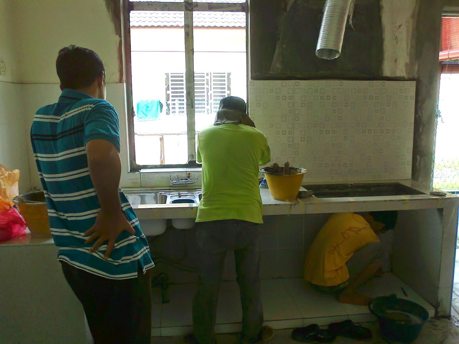 Dah Mula Nampak Kabinet Dapur Heee Masa Ni Saya Buat Keputusan Nak Tukar Konkrit Dengan Abang Mael Sebab Jimatkan Kos Alang2 Beli Bata