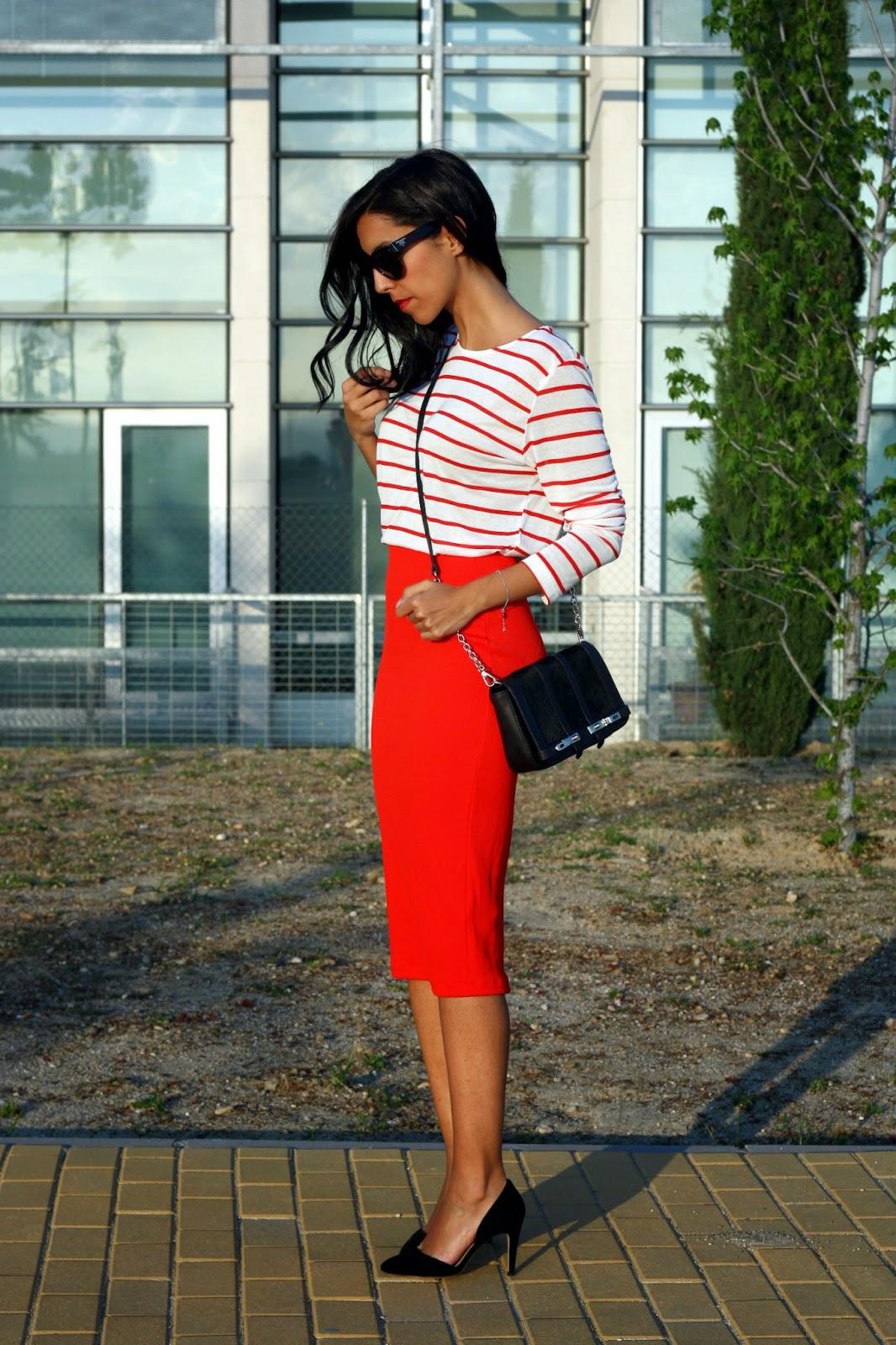 9ed0f76f8 Falda De Tubo Roja | Wig Elegance
