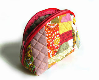 How to make DIY tutorial cosmetic bag purse fabric sewing quilt patchwork.