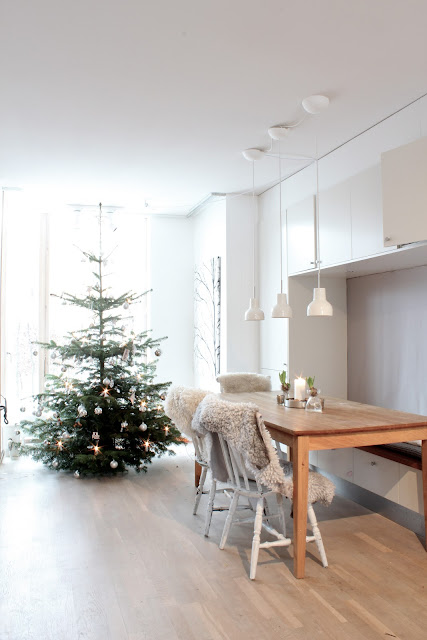 my scandinavian home my home christmas tree. Black Bedroom Furniture Sets. Home Design Ideas