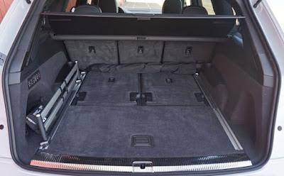 Audi SQ7 4x4 7 places avec 5 siège en place