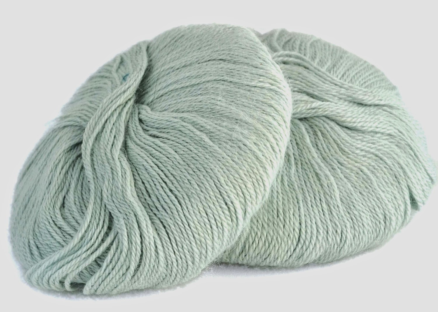 https://www.etsy.com/listing/169266425/baby-alpaca-wool-mint-green-light-acqua?ref=shop_home_active_8
